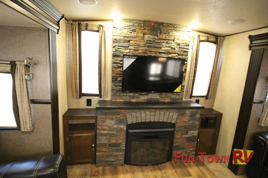 Travel Trailer With Walk In Cooler